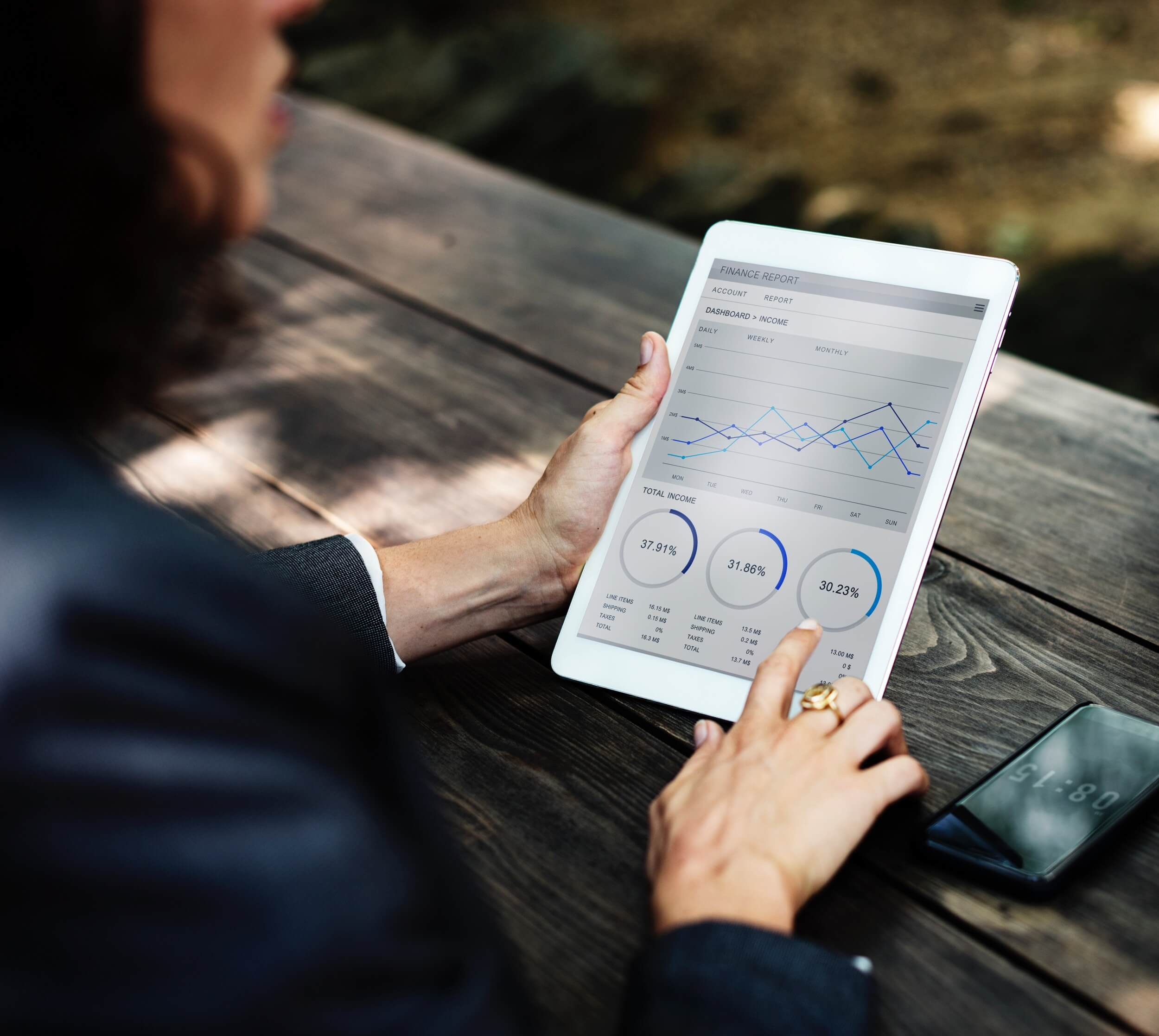 building a big data analytics platform with AWS services
